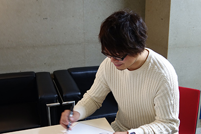 感応時間13を収録し終えた興津和幸さん